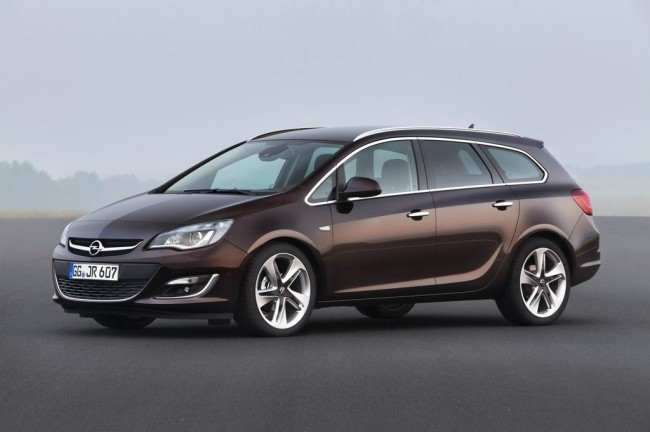 Новый Opel Astra Sports Tourer фото