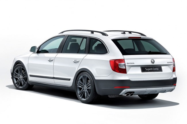 Skoda Superb Combi Outdoor фото