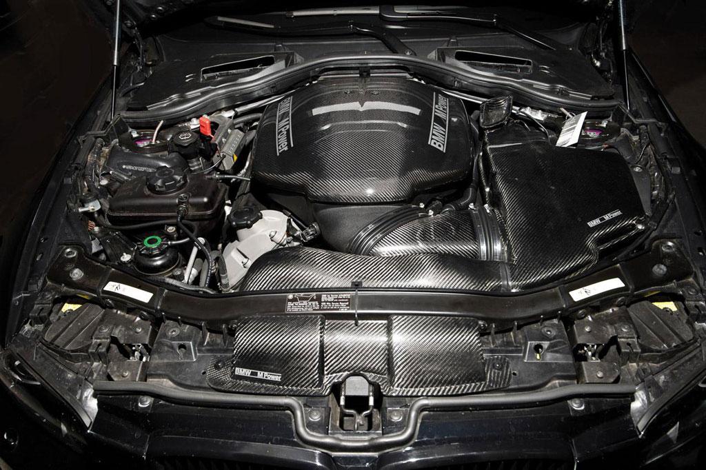 какой двигатель стоит на bmw m3 e 92