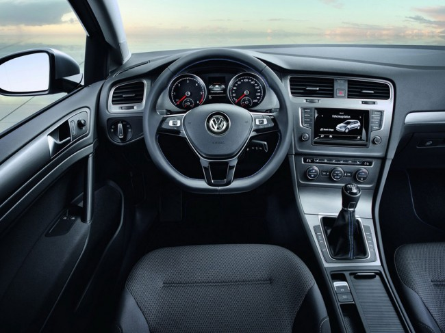 Фото салона VW Golf BlueMotion 2013