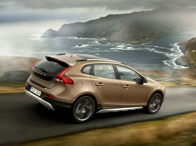 Фото Volvo V40 Cross Country