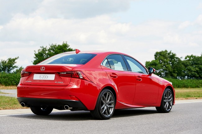 Фото Lexus IS 200t