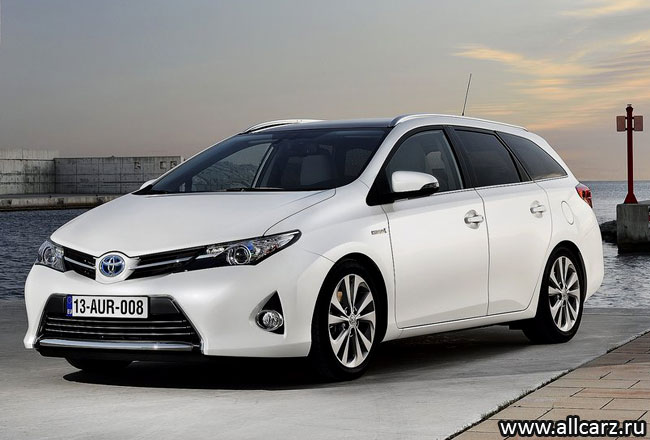 Toyota Auris Touring Sports фото