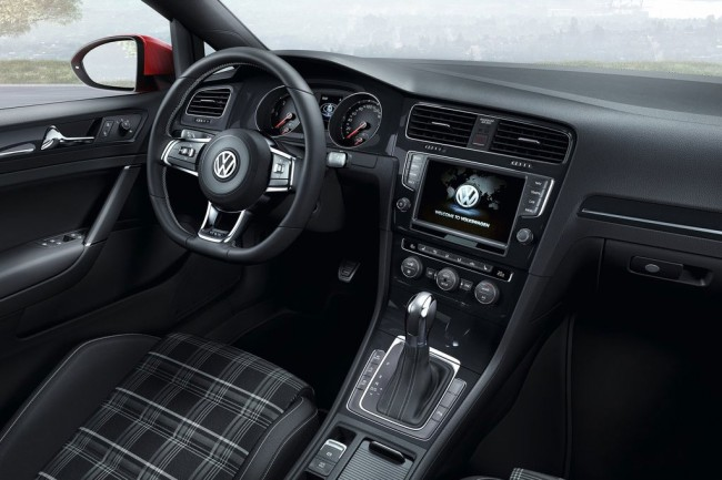 Фото салона VW Golf VII GTD