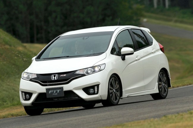 Фото Honda Fit / Jazz RS 2014
