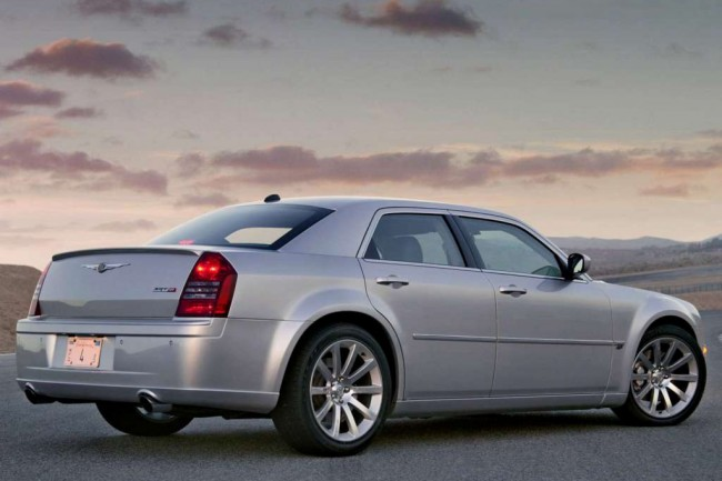 Chrysler 300C SRT8 фото