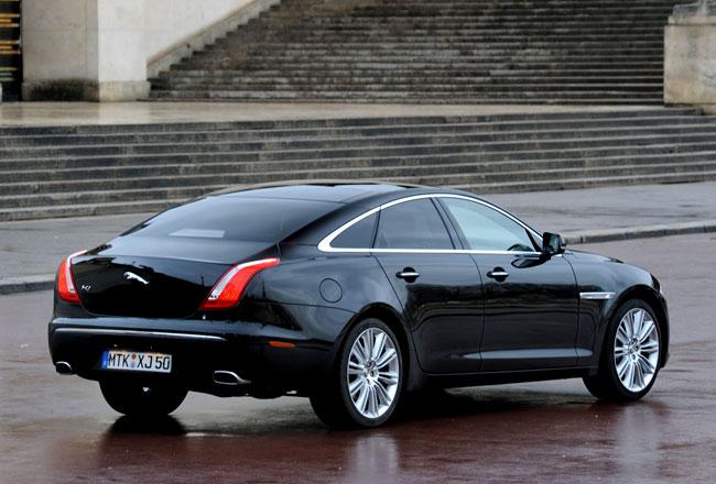 В Jaguar решили основательно перекроить дизайн будущего XJ