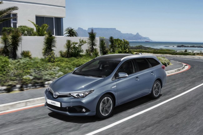 Toyota Auris Touring Sports 2016 фото
