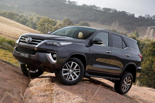 Toyota Fortuner 2016 фото