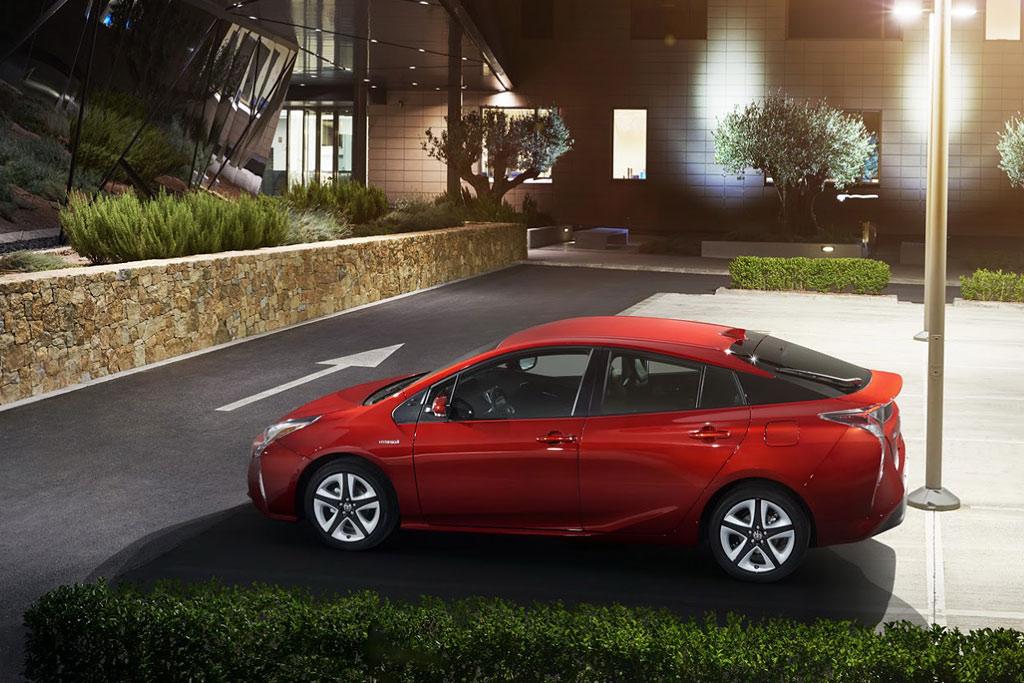 Новая модель Тойота Приус 2017