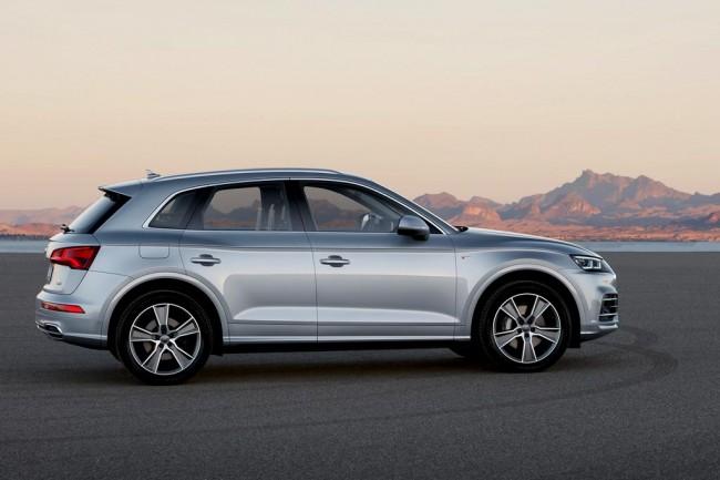 Audi Q5 2017-2018 в новом кузове