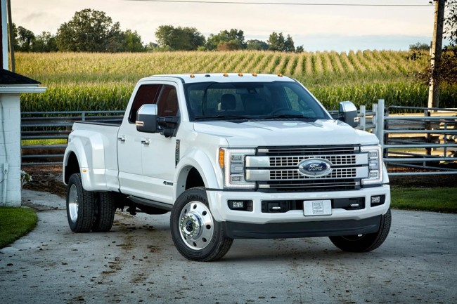 Ford F-450 Super Duty фото
