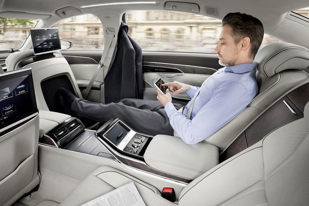 Интерьер новой Audi A8 L