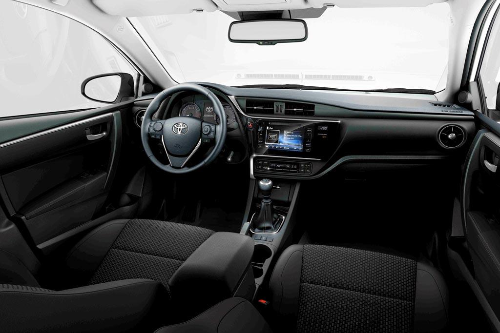 Салон Toyota Corolla E170