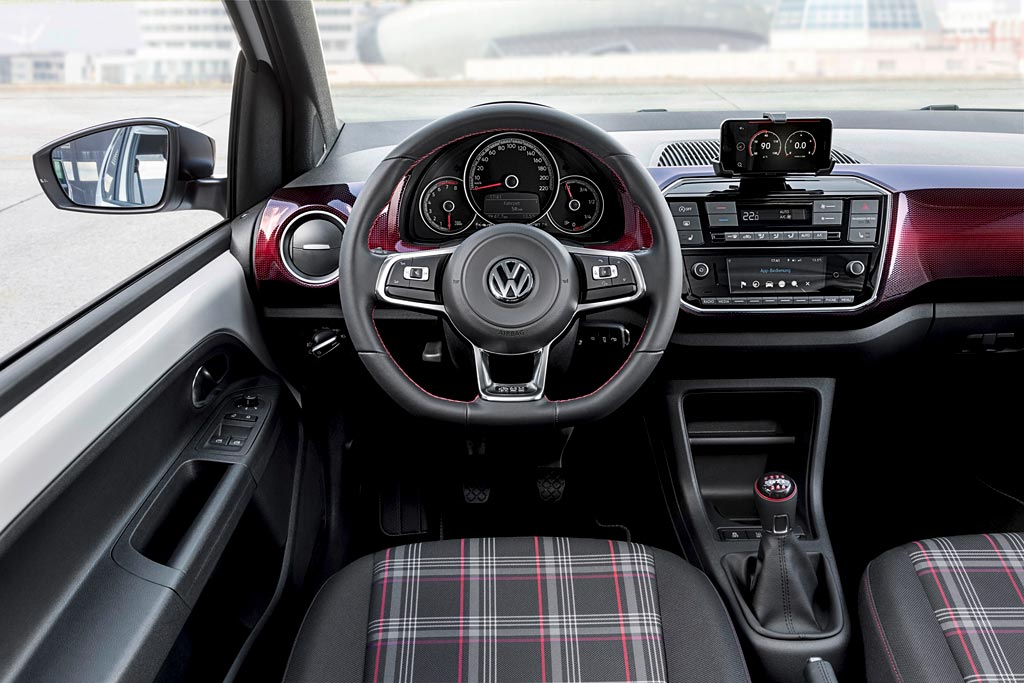 Volkswagen up! GTI 2017-2018 - фото, цена, характеристики нового Фольксваген ап ГТИ