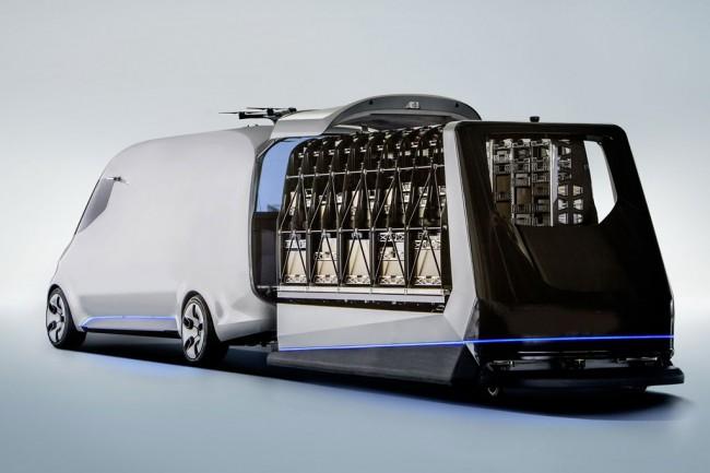 Фургон будущего от Мерседес Бенс будет оснащён квадрокоптерами