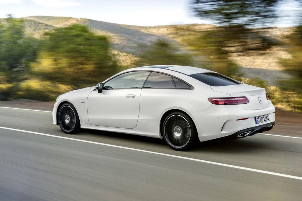 Детали оновом купе Мерседес Бенс E-класса стали известны допремьеры