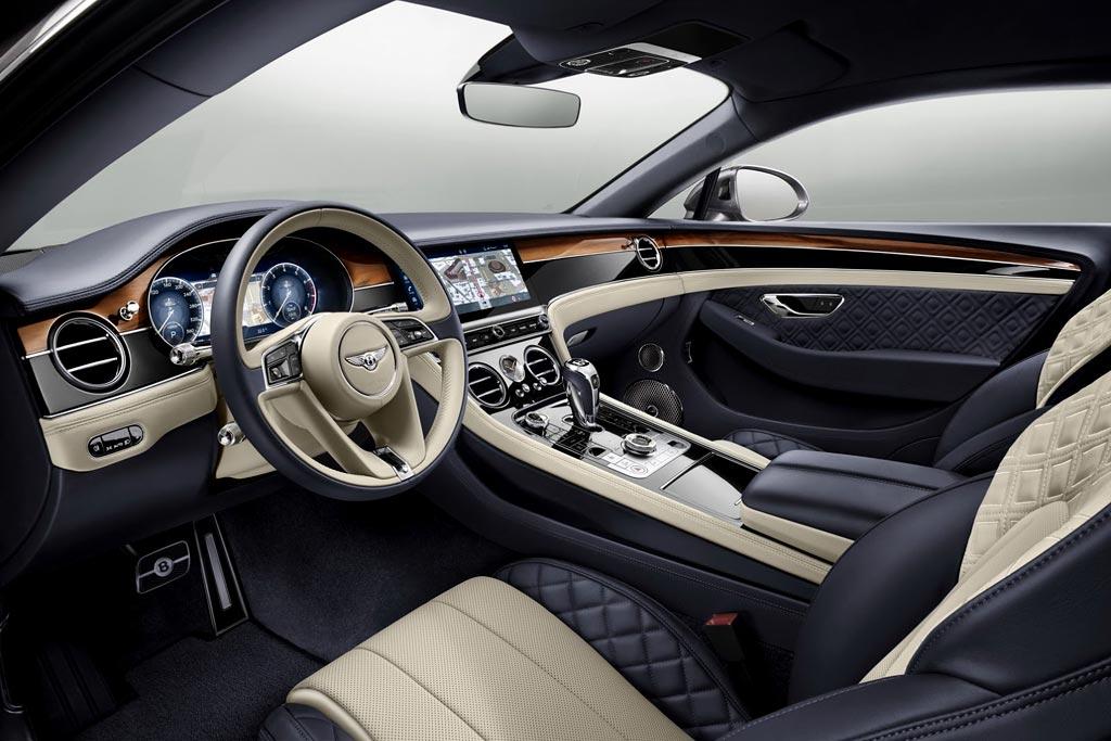 Салон нового Continental GT III