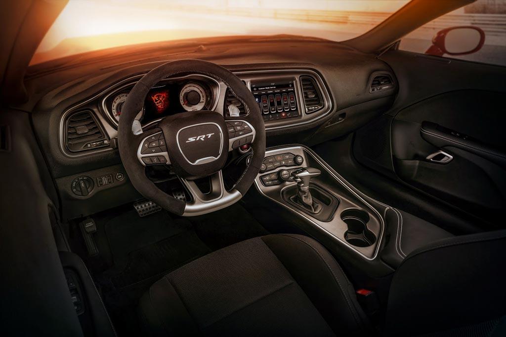 Dodge Challenger Demon - фото, цена, характеристики Додж Челленджер SRT Демон