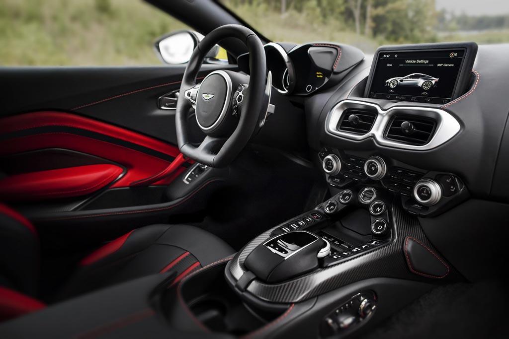 Aston Martin Vantage 2018-2019 - фото, цена, характеристики Астон Мартин Вантаж в новом кузове