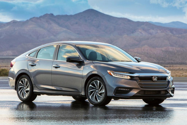 Новая Honda Insight 2019