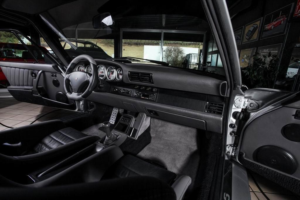 Салон Porsche 911 Turbo (965)