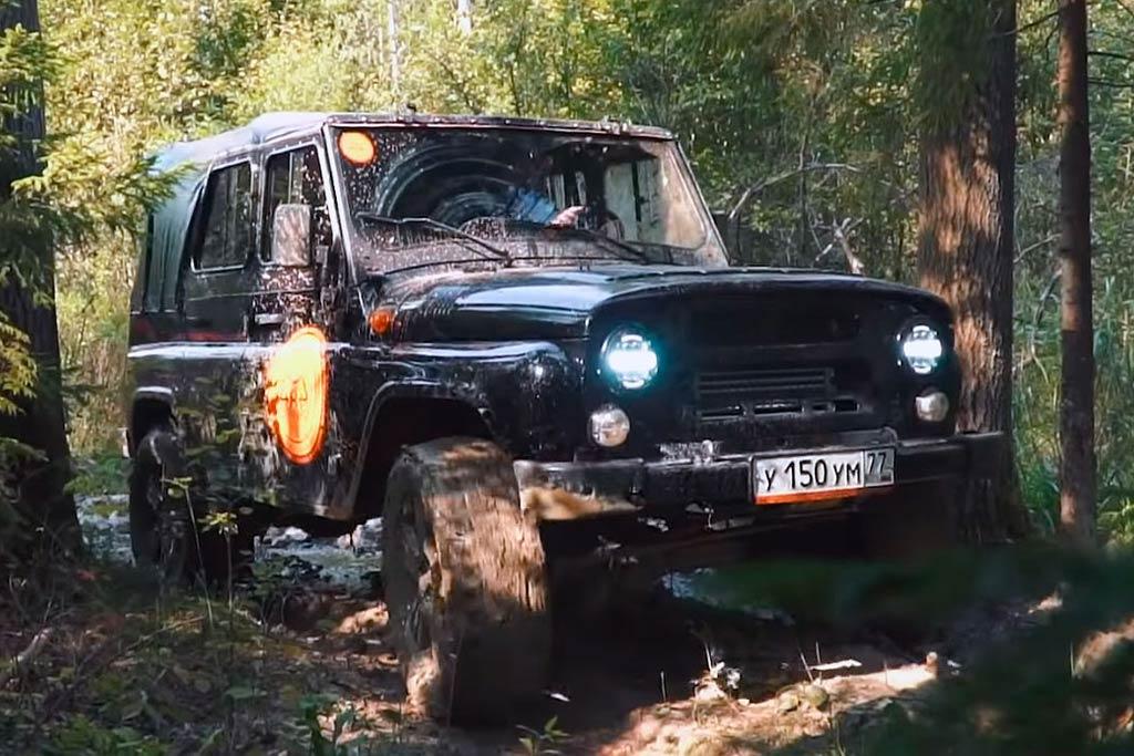 УАЗ Хантер с 280-сильным мотором V8: король бездорожья в деле