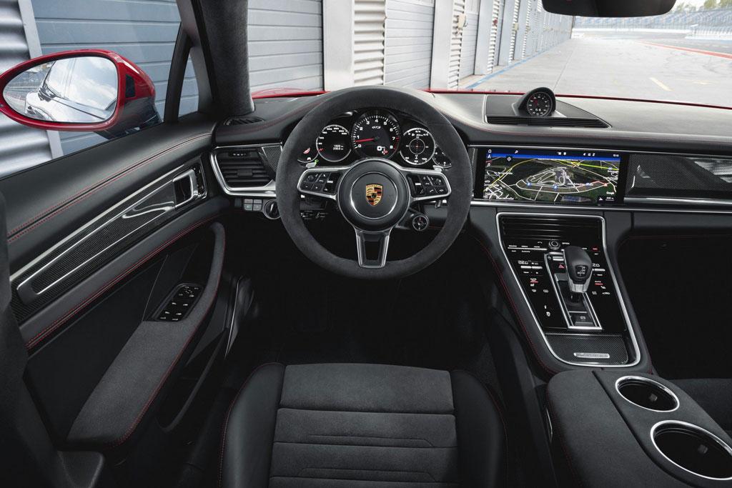 Салон Porsche Panamera GTS