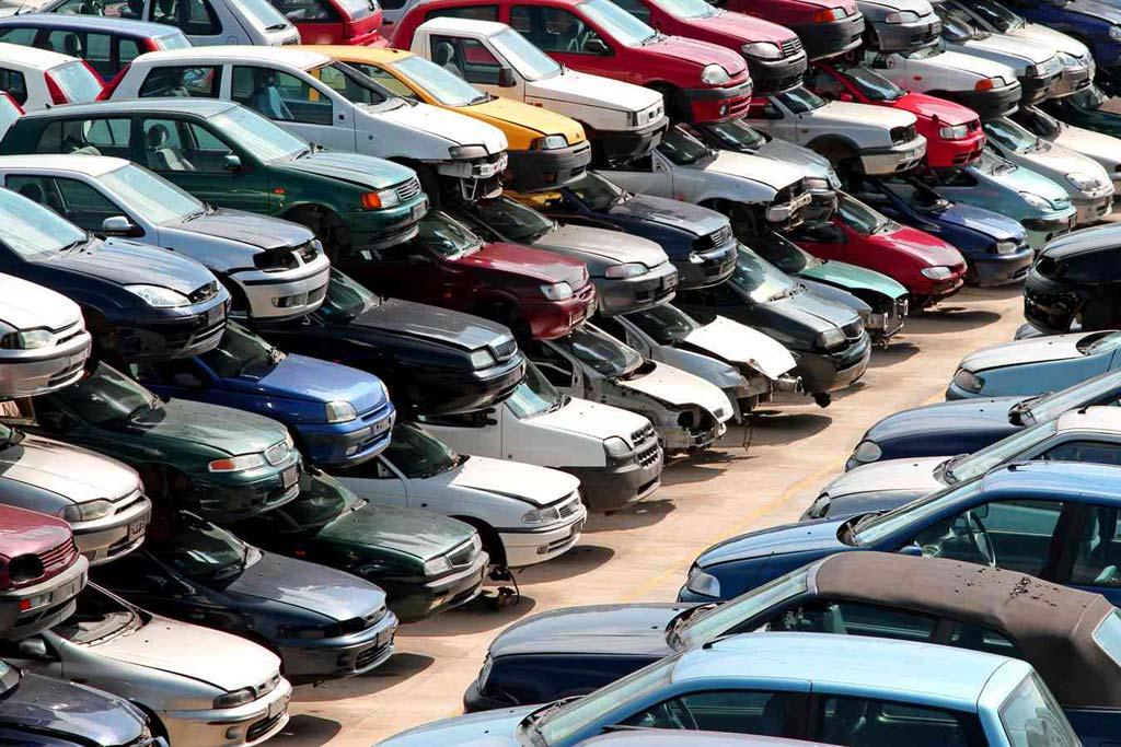Рынок битых авто: почему в России высок спрос на аварийную технику?