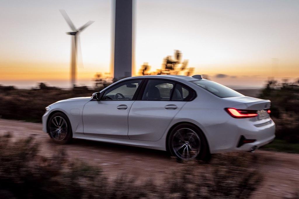 BMW 330e (G20)