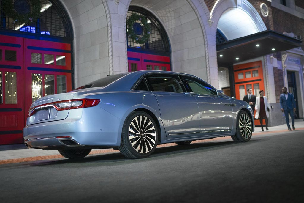 Юбилейный Lincoln Continental 80th: с оглядкой на Роллс-Ройс