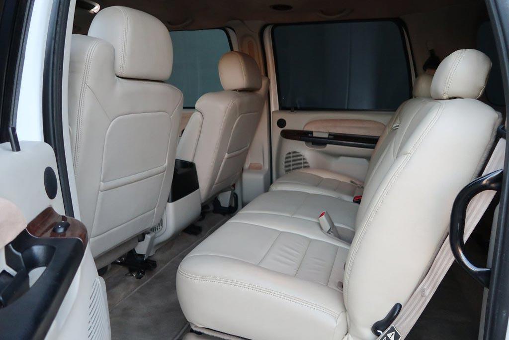 Гигантомания: на продажу выставлен шестидверный Ford F-650