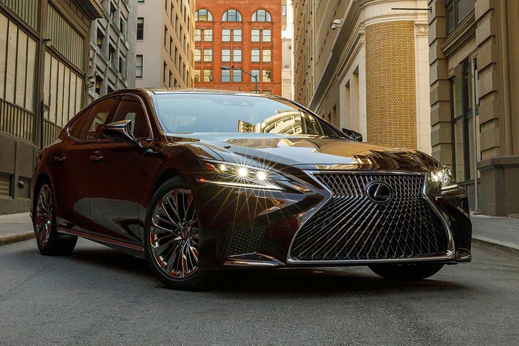 Что общего между Santa Fe и Lexus LS: оба попали под отзыв