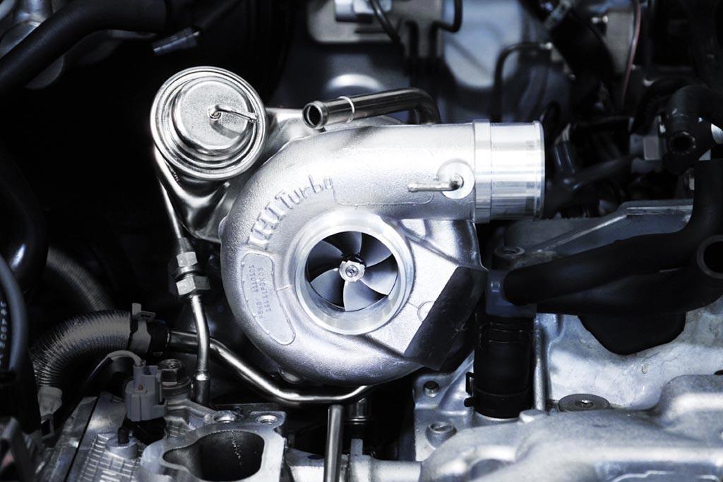 Почему глушить двигатель сразу после остановки может быть опасным?