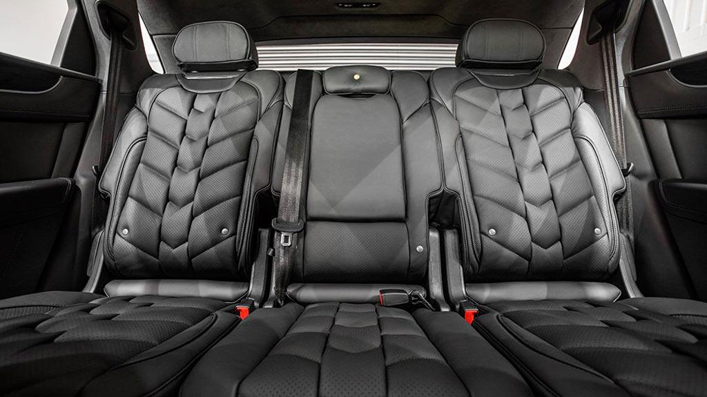 В тюнинг ателье Kahn Design поработали над Bentley Bentayga