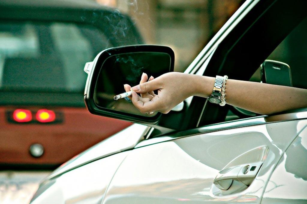 Курите за рулем: вскоре это может стать нарушением