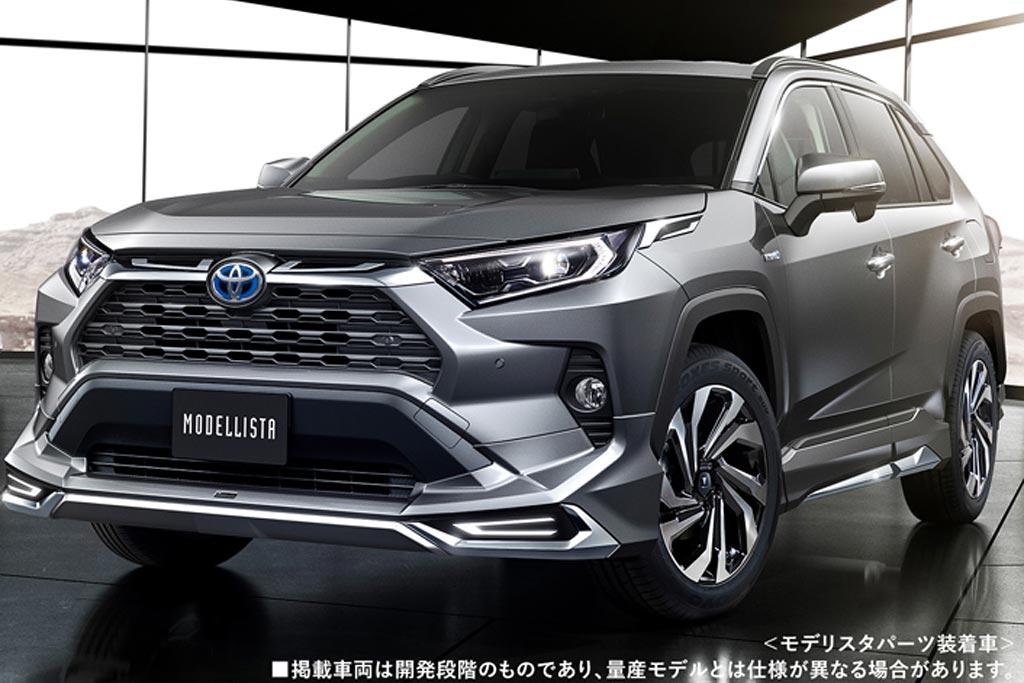 Японцы ликуют: на внутренний рынок возвращается Тойота RAV4