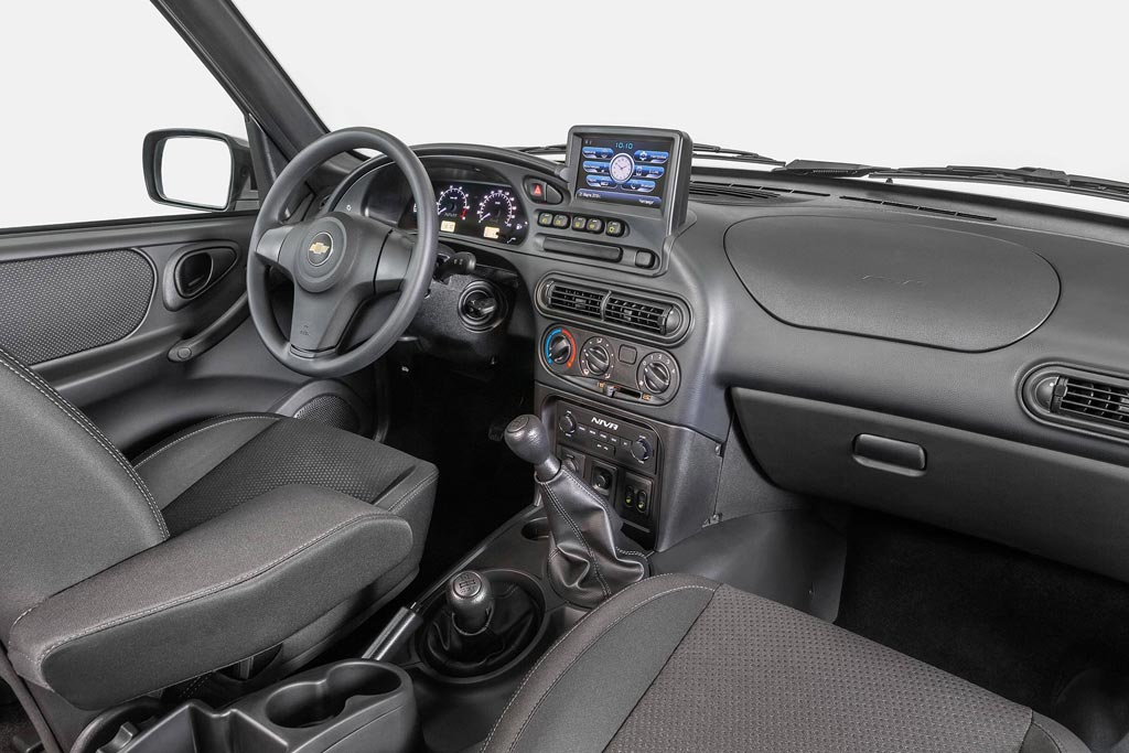 Chevrolet Niva 2020: рестайлинг с большим экраном в салоне