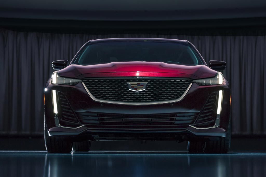 Новый Cadillac CT5 2019: замена сразу нескольких моделей